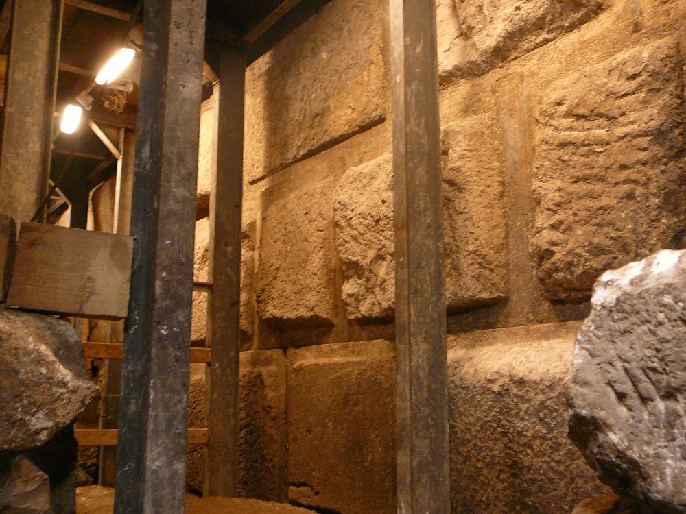 Эти камни не видели свет уже 2000 лет