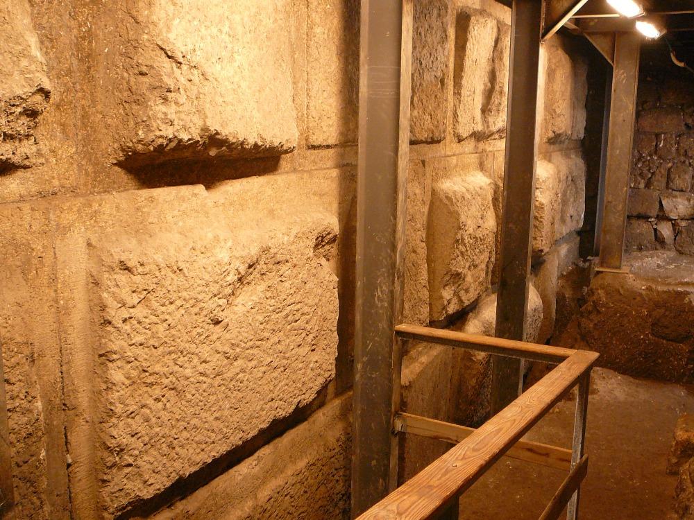 Сколько любви вложили наши предки в строительство этих стен - не ради Ирода а ради В-севышнего