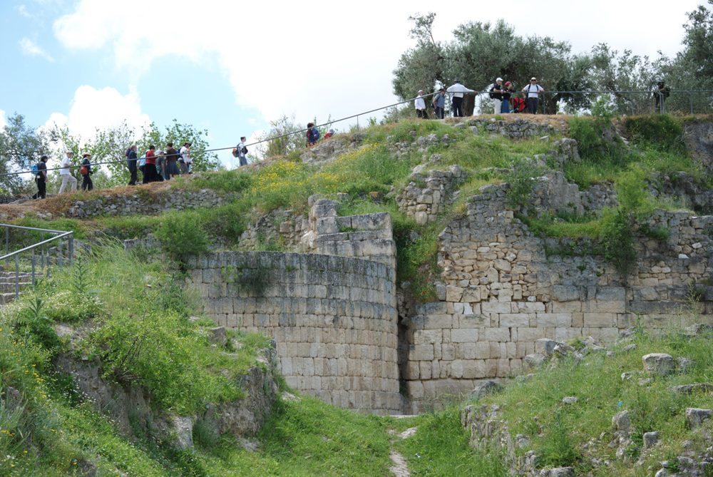 Стены акрополя Шомрона - времен Первого Храма