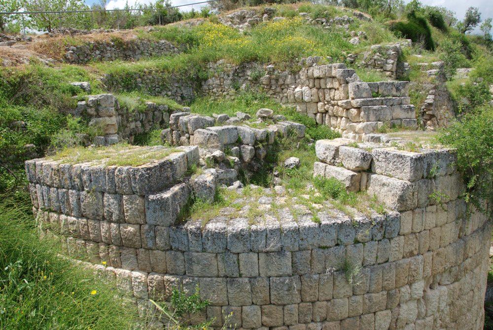 Башни акрополя Шомрона - времен Первого Храма и элинистического периода