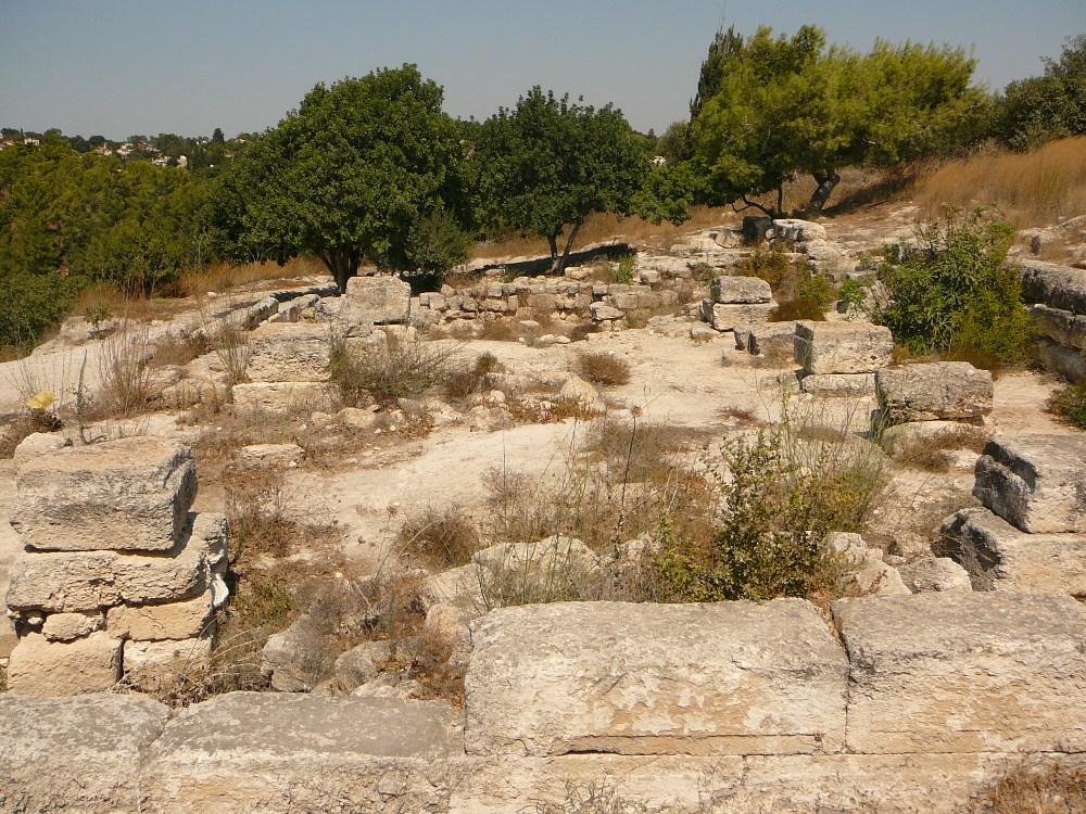 Бейт Шеарим был центром еврейских мудрецов, Синедриона, когда здесь находился раби Йеуда а-Наси