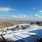 Снег и солнце день чудесный
