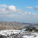 Иудейская пустыня и снег
