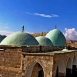 Неби Муса - крыши святой части (Макам) и Иудейская пустыня