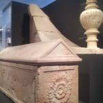 Саркофаг и урна из мавзолея Ирода, музей Израиля