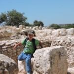 На руинах Хурват Этери в Низменностях Иудеи