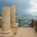Колонны Кейсарии - над морем