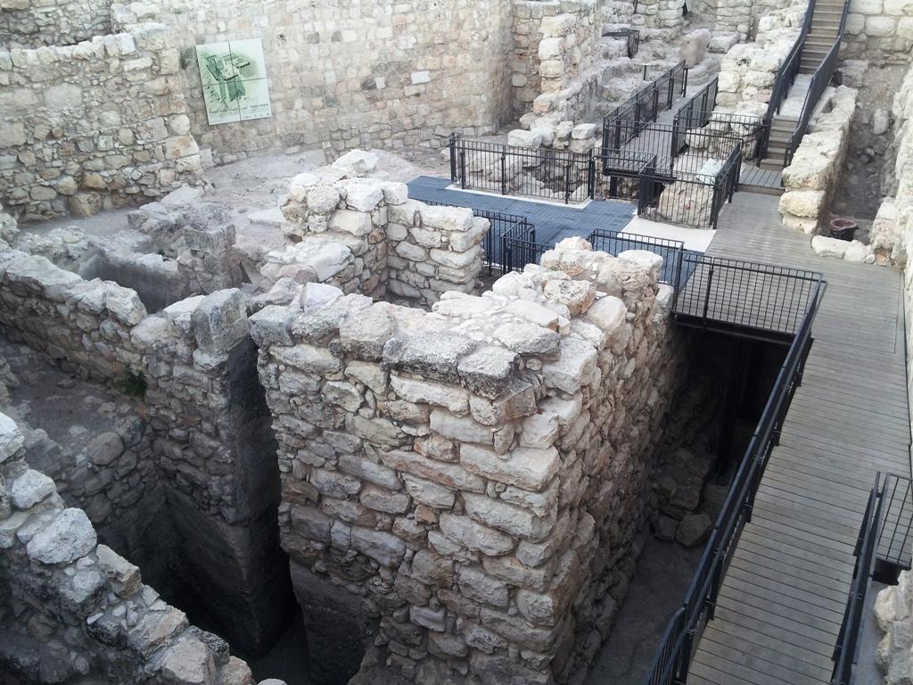 Картинки по запросу Стена соломона раскопки