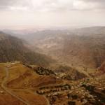 Ущелье Дана, удивидельный вид с экзотической гостиницы в деревне Дане, экскурсии в Иордании