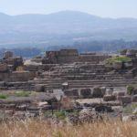Хурват Омрит на фоне гор Нафтали и Кирьят Шмона