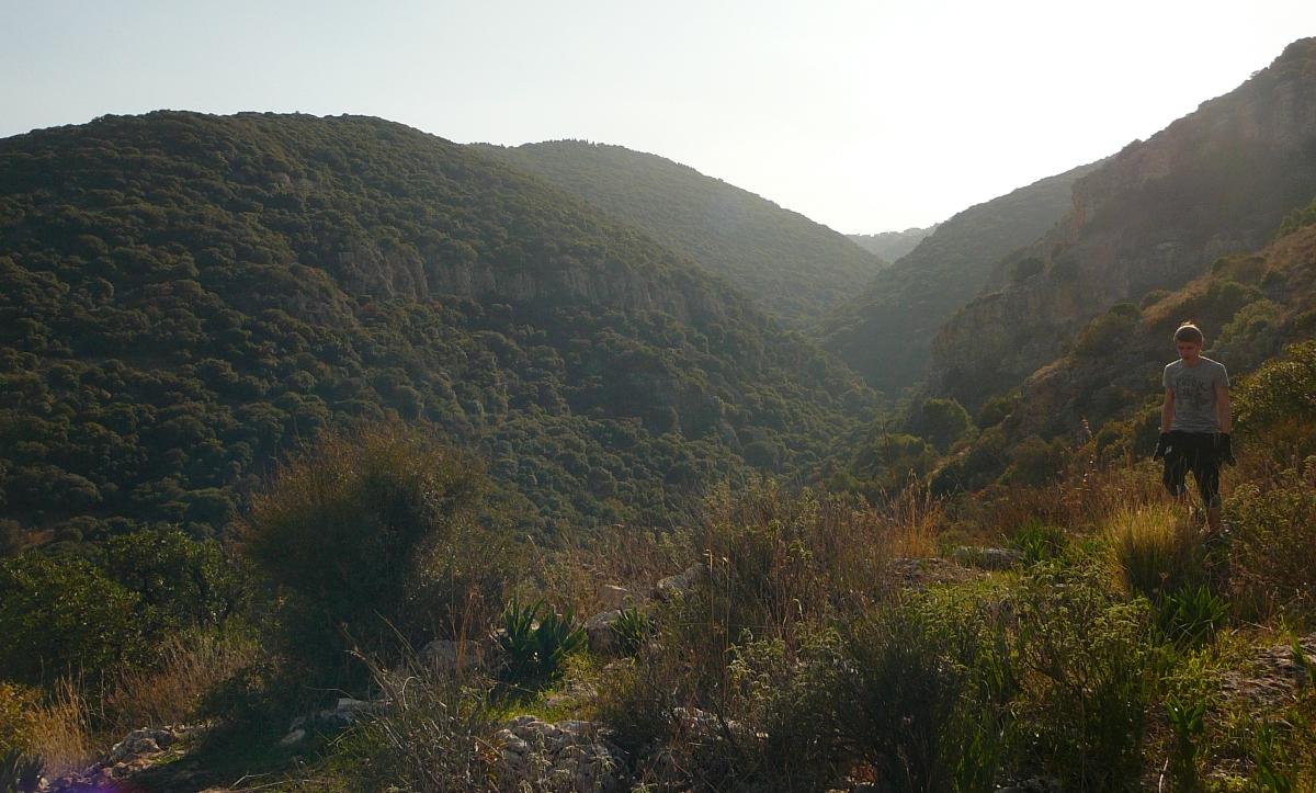 Спускаемся вниз - последний взгляд на ущелье Ягур