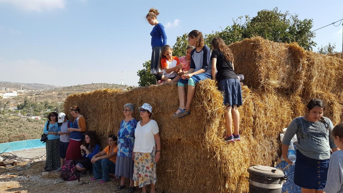 На фермах Итамара - у Рахель Цимерман