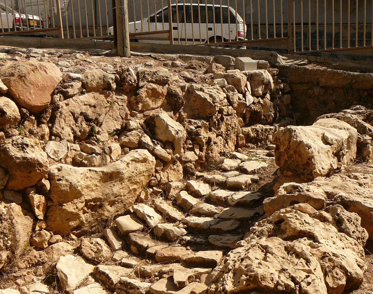 Стены и подъем к воротам Хеврона, 4500-летней давности
