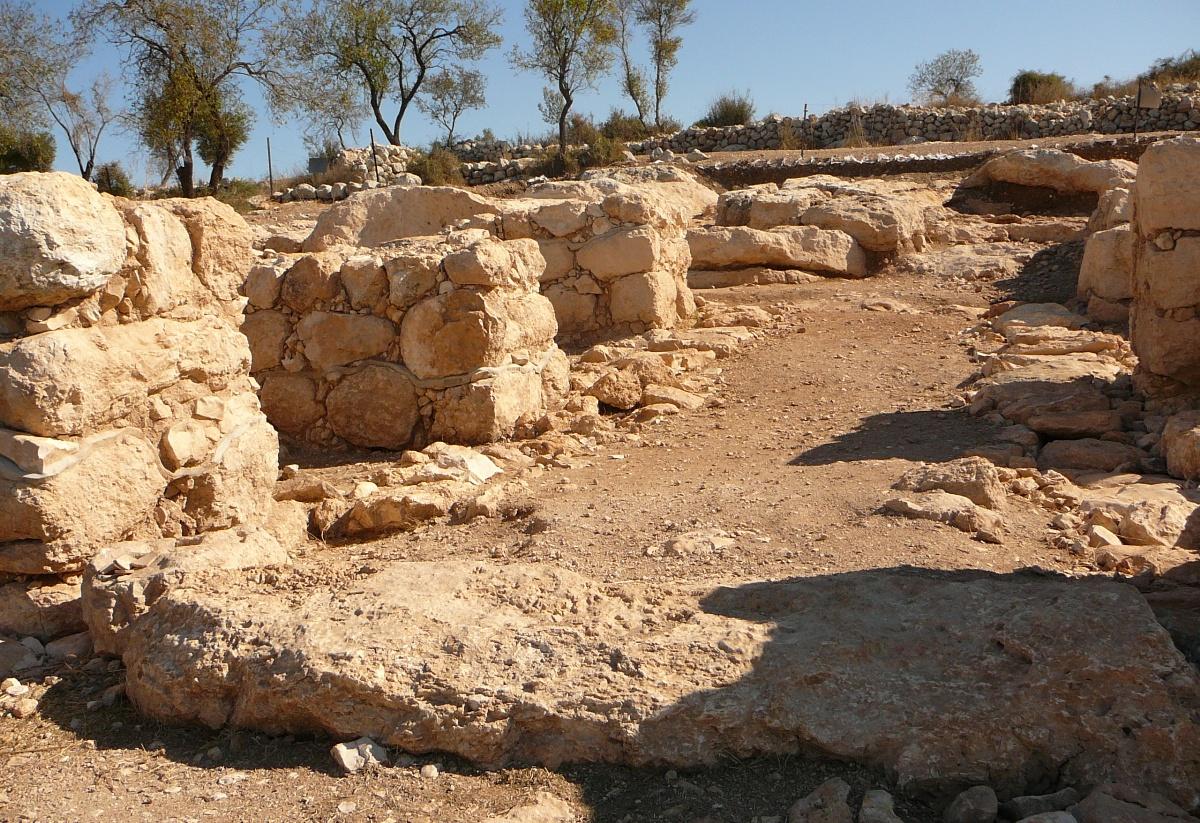 Врата Шеараим, в Низменностях Иудеи, времен Шауля и Давида