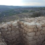 Вид с Эммауса-хурват Экед в сторону Иудейской низменности