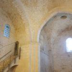 Неби-Самуэль - готические своды церкви крестоносцев