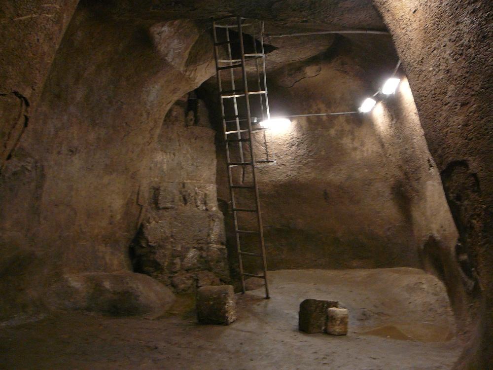 Внутри резервуара - в подземном Иерусалиме