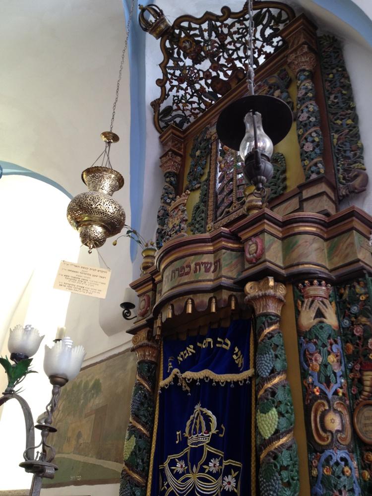 Арон а-кодеш в синагоге а-Ари