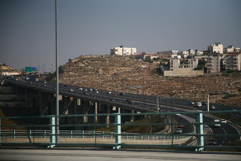 Дорога между Писгат Зеевом и Иерусалимом