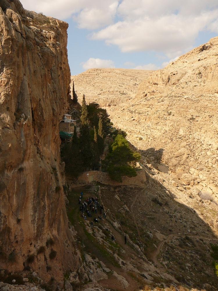 Монастырь был основан Харитоном - основателем движения отшельников в 4-м веке