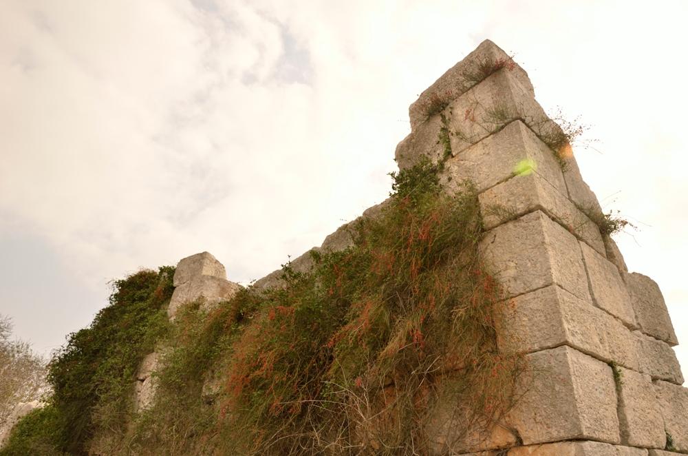 Хирбет Самара - руины общественного здания