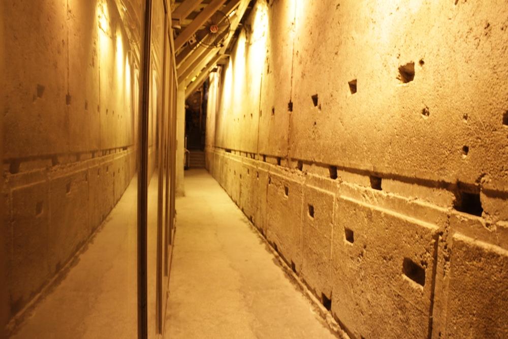 В туннелях Стены Плача
