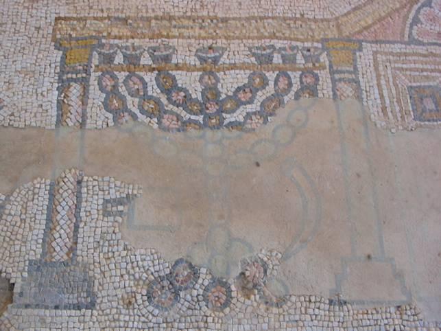 Рисунок меноры в синагоге