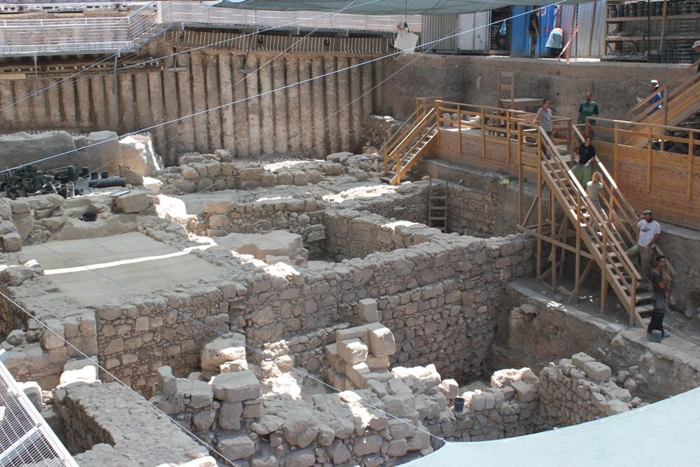 Новые раскопки в Гивати - дома времен Второго Храма, Римского периода и периода крестоносцев