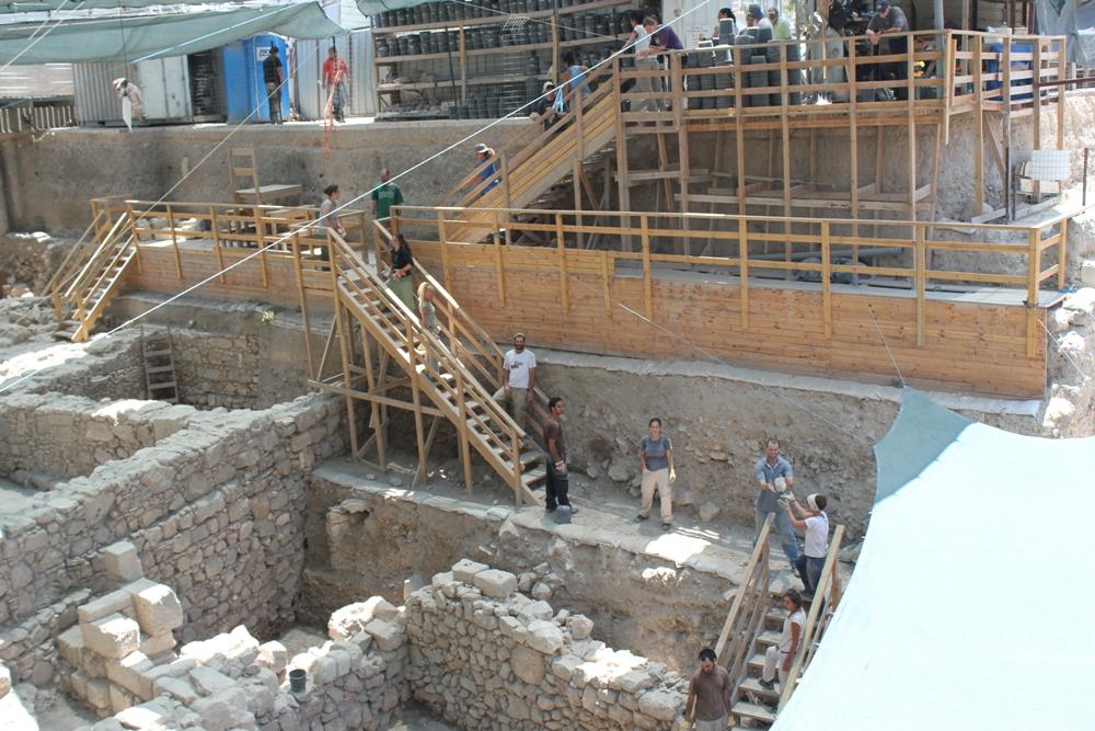 Продолжение археологических раскопок в Городе Давида возле стоянки Гивати