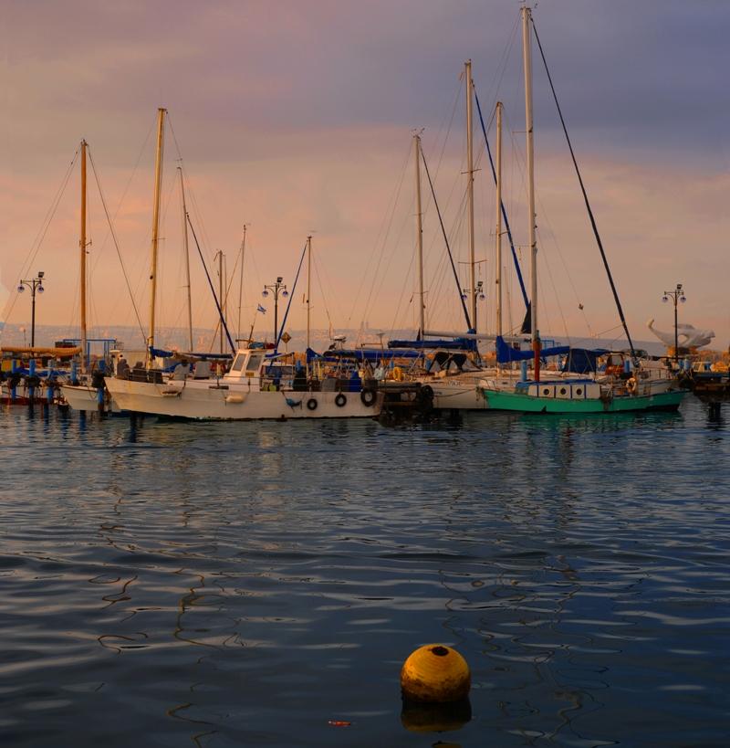Рассвет в порту Акко