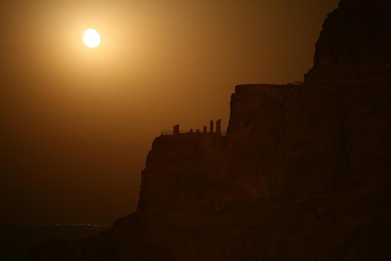 Луна на Масаде - световое представление у подножия крепости