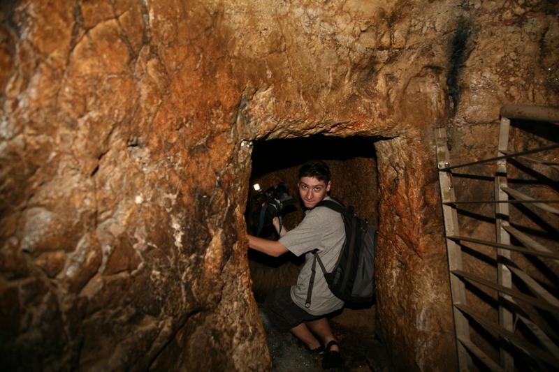 При входе в источник Гихон в Городе Давида