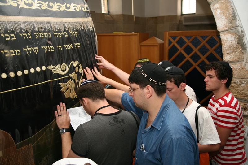 Молитва у захоронения проматери Рахель