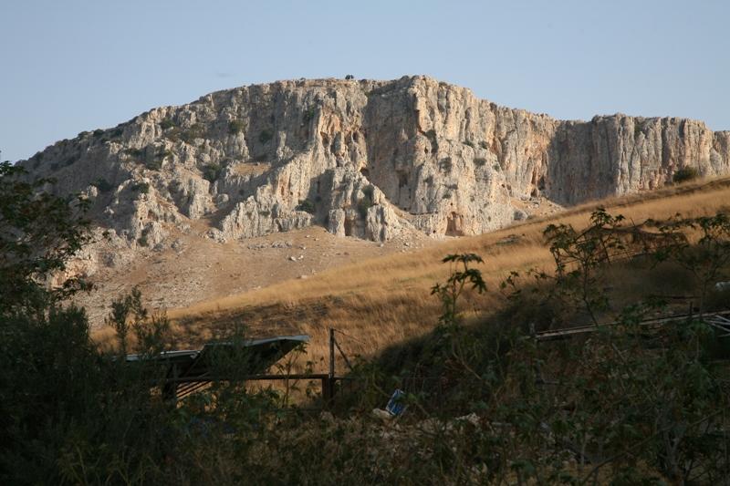 Гора Арбель возле Кинерета