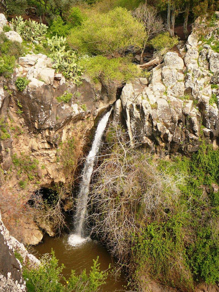 Водопад Двора (Пчела) - первый водопад на маршруте