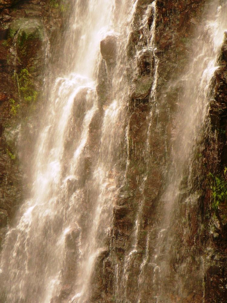 Вода сравнивается с жизнью, с Торой - водопады на Голанских высотах