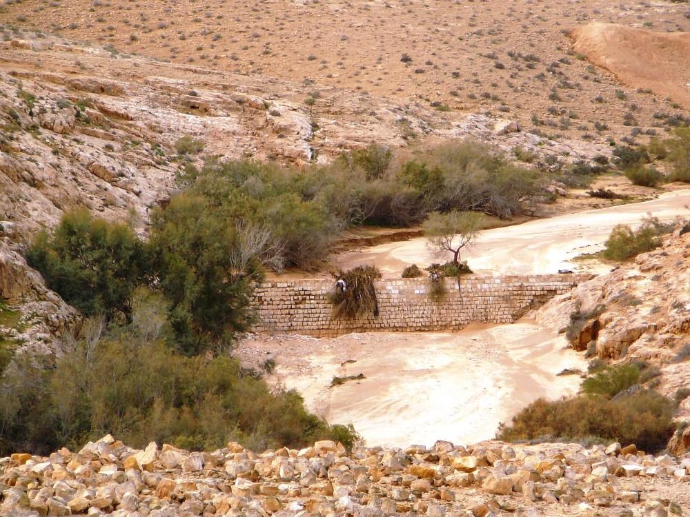 Ущелье Мамшит - восстановленная плотина времен набатейцев