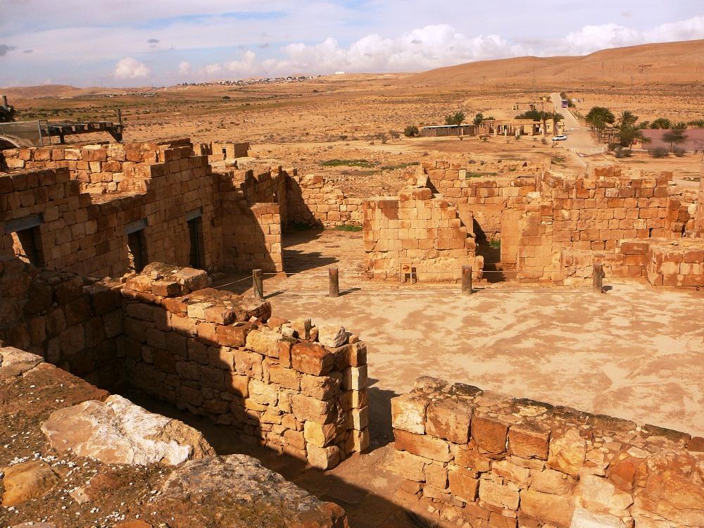 Дом Набату - самый большой комлекс (2000 квадратных метров) найденный в Мамшите