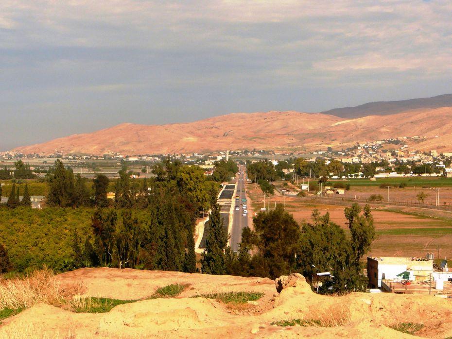 Центральная дорога вдоль Иорданской долины в Иордании