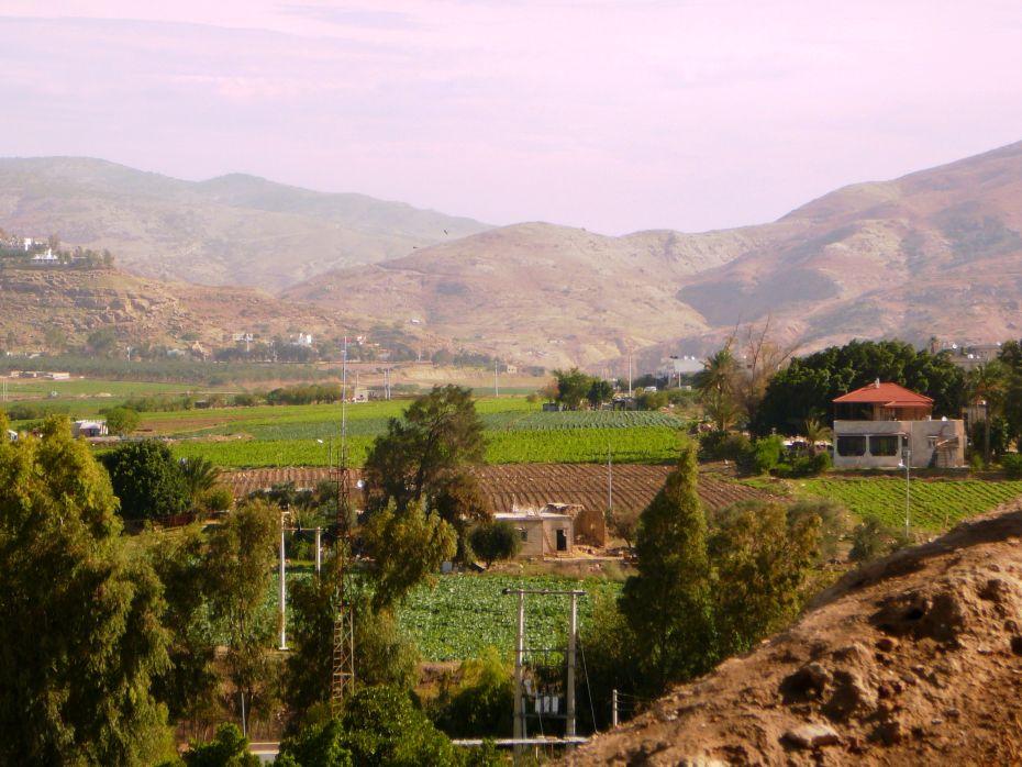 Вид в сторону гор Гильада - к востоку от Иорданской долины